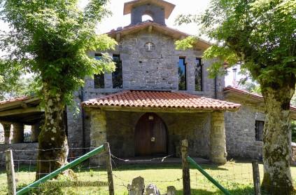 Urbiako eliza (église)